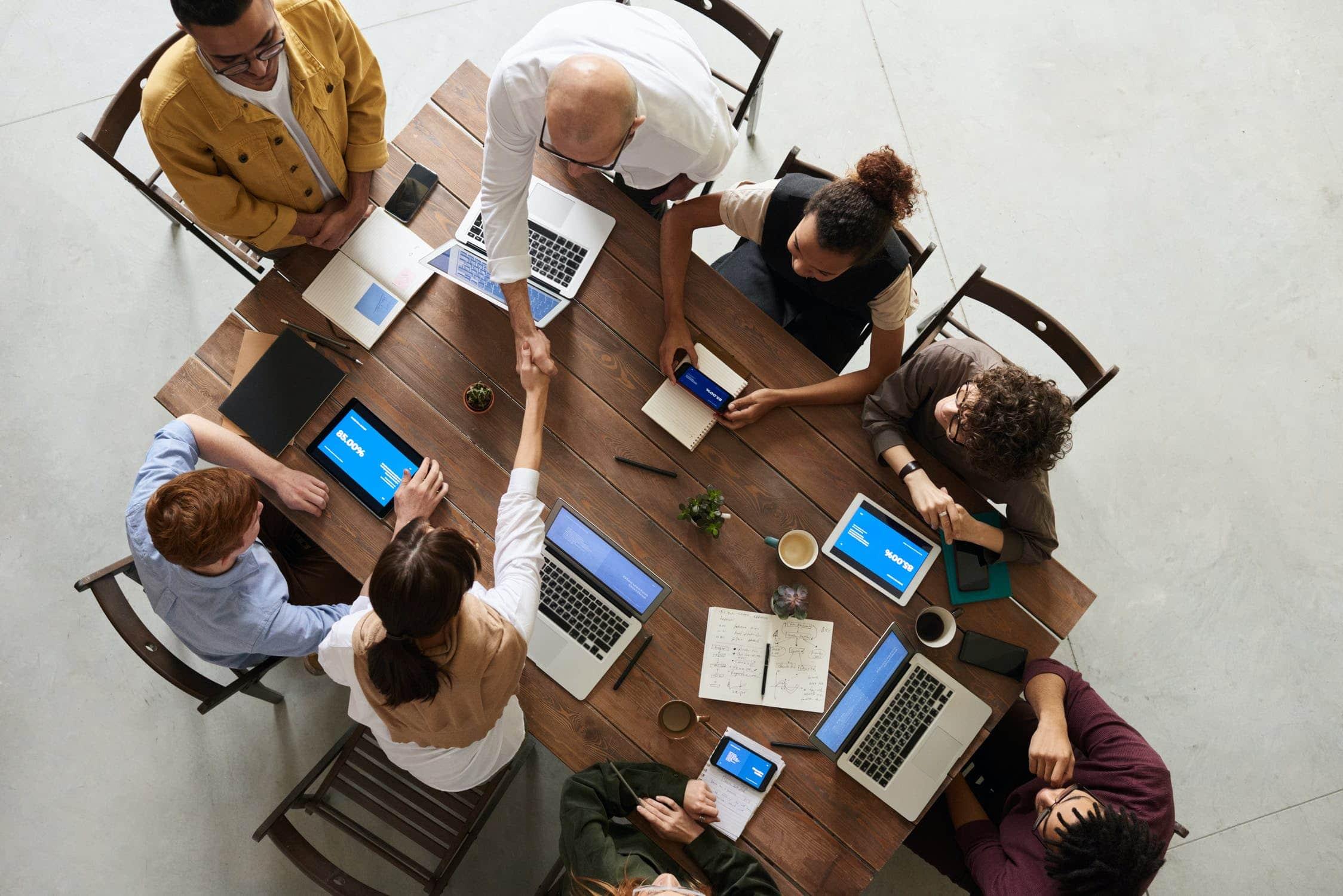 team_meeting_leiderschap_samenwerken