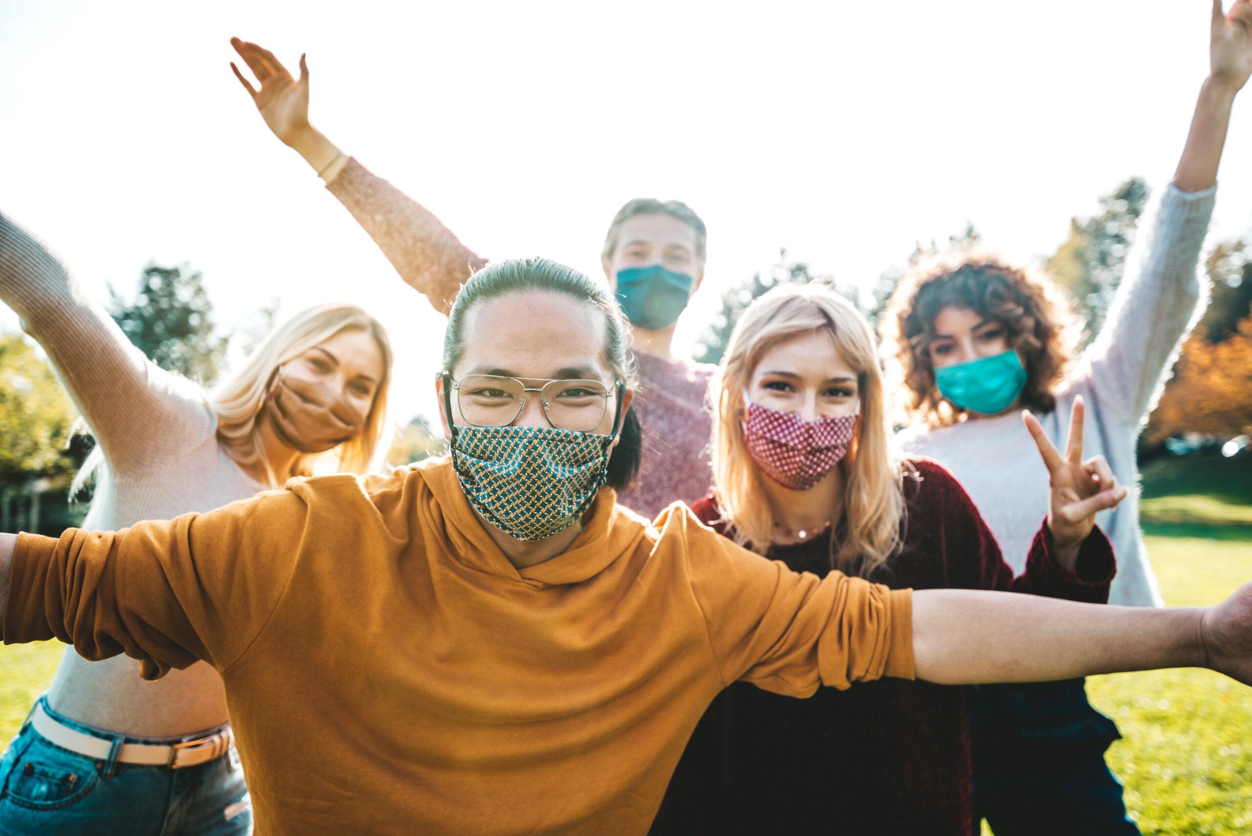 mensen met mondmasker